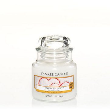 Yankee Small Jar Candle - Snow In Love