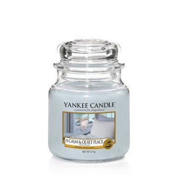 Yankee Medium Jar Candle - A Calm & Quiet Place